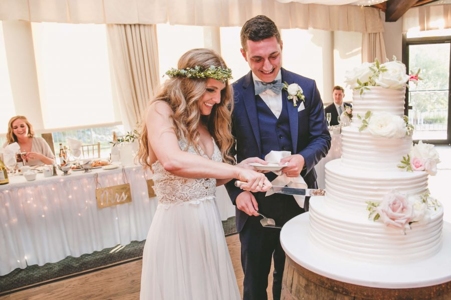 Who Helps Make The Best Wedding Cakes?